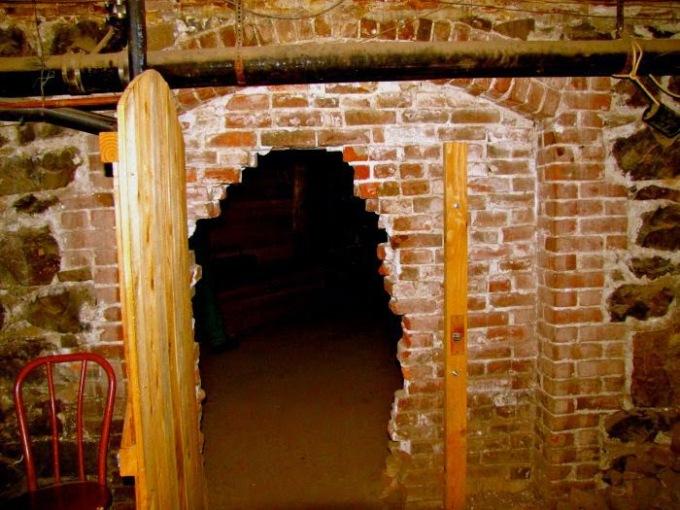 2012-september-october-1859-portland-oregon-history-haunted-oregon-shanghai-tunnels-unde (1)