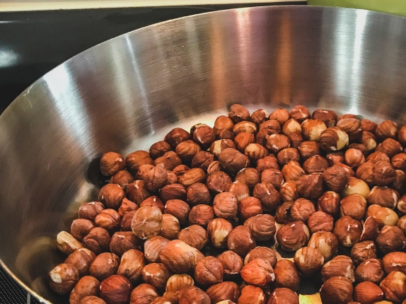 Roasting of the hazlenuts.